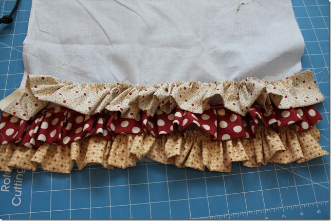 ruffle pillow (9)