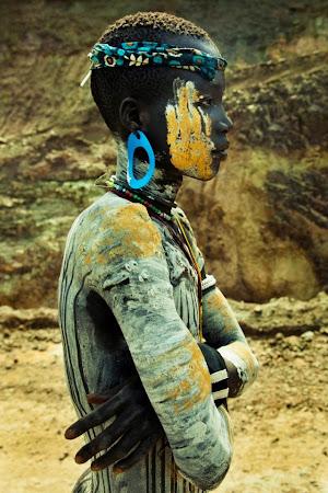 Calator cu tricolor: Tribul Mursi, Etiopia