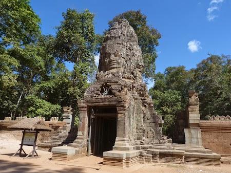 23. Poarta din Angkor Thom.JPG