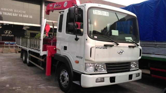 Hyundai HD210 gắn cẩu Unic 5 tấn