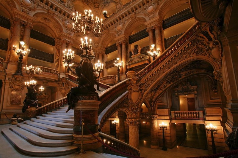 Opera national de paris stairs