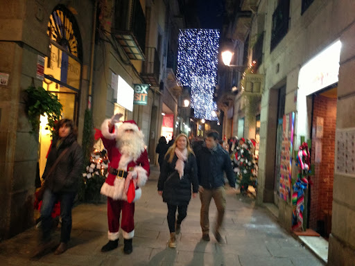 El pare Noel, al carrer Banys Nous