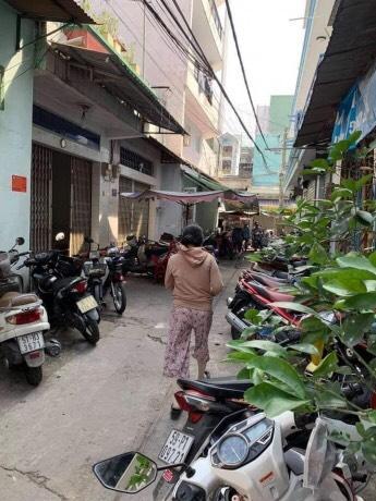 Bán gấp nhà hẻm một sẹc đường Nguyễn Sơn quận Tân Phú 5