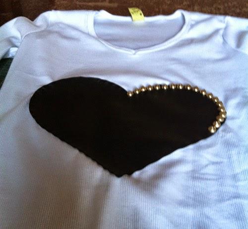 diy-blusa-customizada-coracao-4.jpg