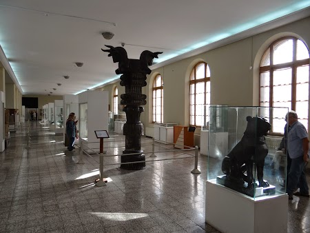 11. Muzeul National - Teheran.JPG