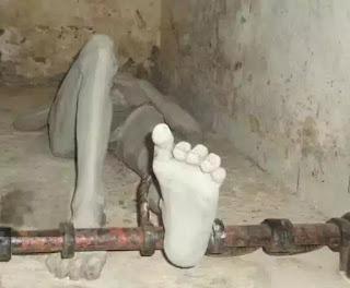 Cùm chân người bị giam giữ