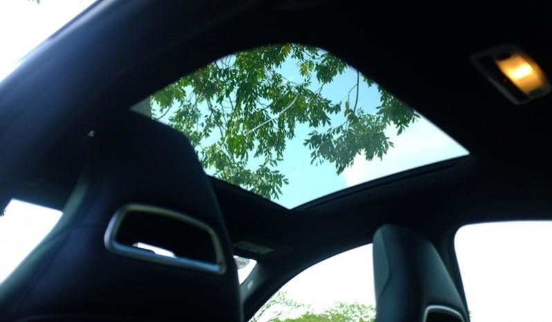 Nội thất xe Mercedes Benz CLA250 4MATIC 2014 AMG Kit màu tím 05