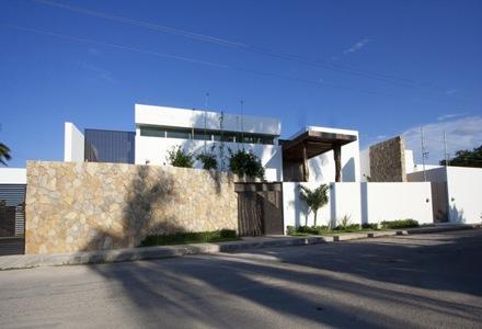 fachada-muro-de-piedra