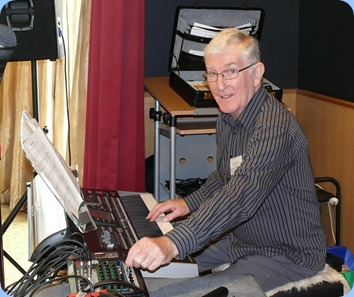 Gordon Sutherland setting-up to play his Korg Pa3X. Photo courtesy of Dennis Lyons.