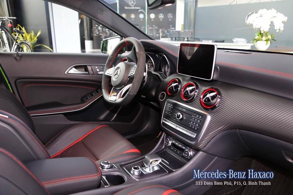 xe Mercedes Benz A45 AMG 2017 010