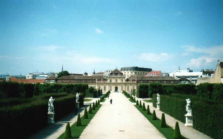 9. Palatul Belvedere de Jos.jpg