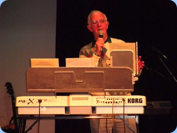 Peter Jackson sang whilst using his Korg Pa1X for the background arrangement.
