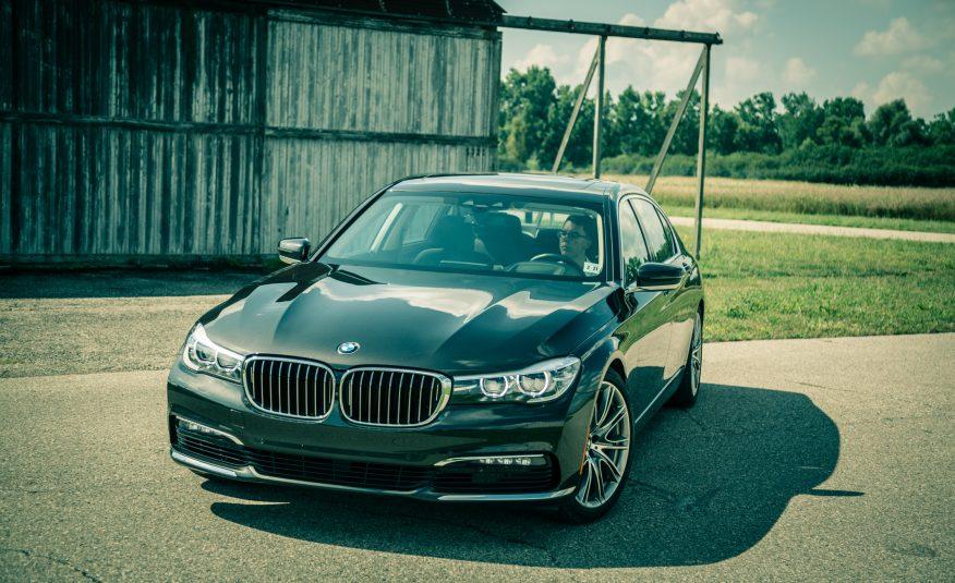 Xe BMW 740Li 01