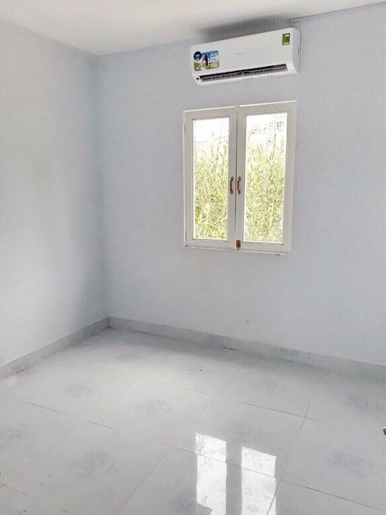 Chính chủ cần bán gấp nhà cấp 4 hẻm 1205 Huỳnh Tấn Phát, Phường Phú Thuận, Quận 7 005