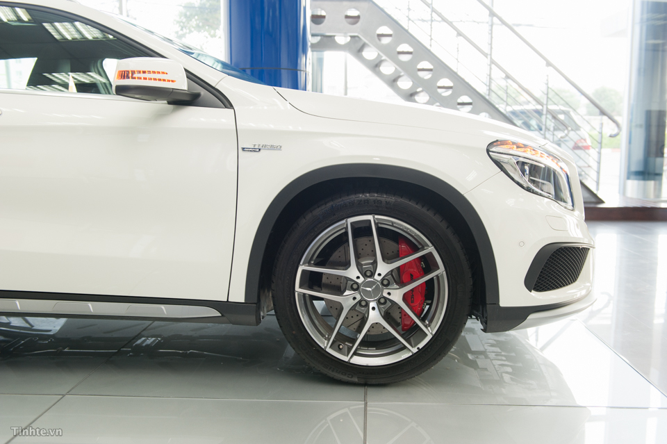 xe Mercedes Benz GLA45 AMG 4Matic New Model 08
