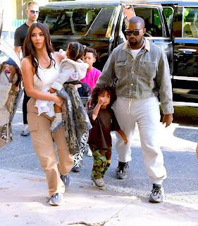 Kim, Kanye và các con.