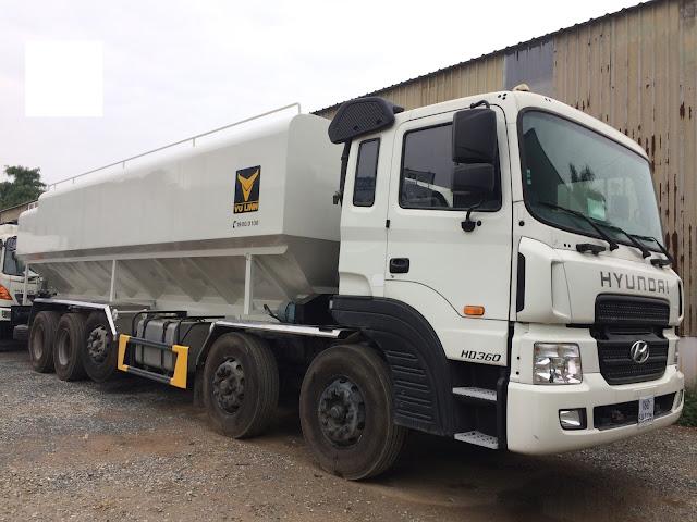 Xe tải Hyundai HD360 chở thức ăn gia súc 34 khối