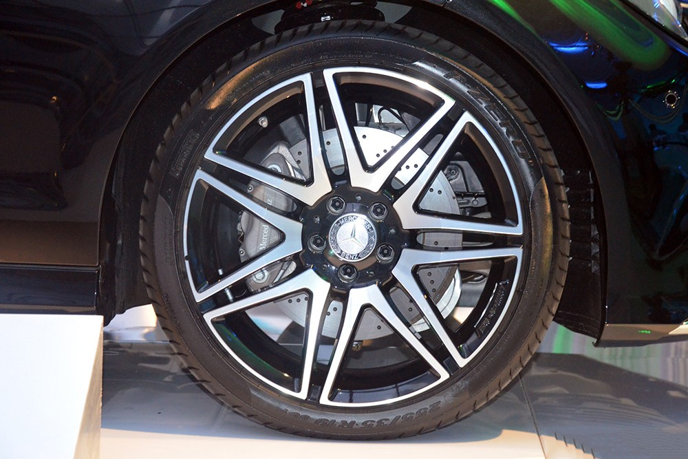 Xe Mercedes Benz CLS400 All New màu đen 08