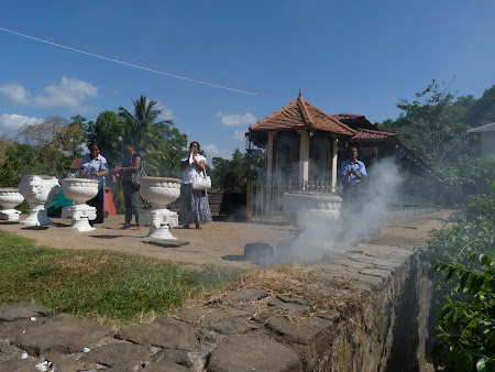 Atractii Sri Lanka: templul dintelui Kandy