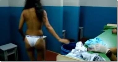 Vexame e Humilhação na revista das mulheres que visitam uma prisão brasileira