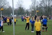 Schoolkorfbaltoernooi ochtend 17-4-2013 161.JPG