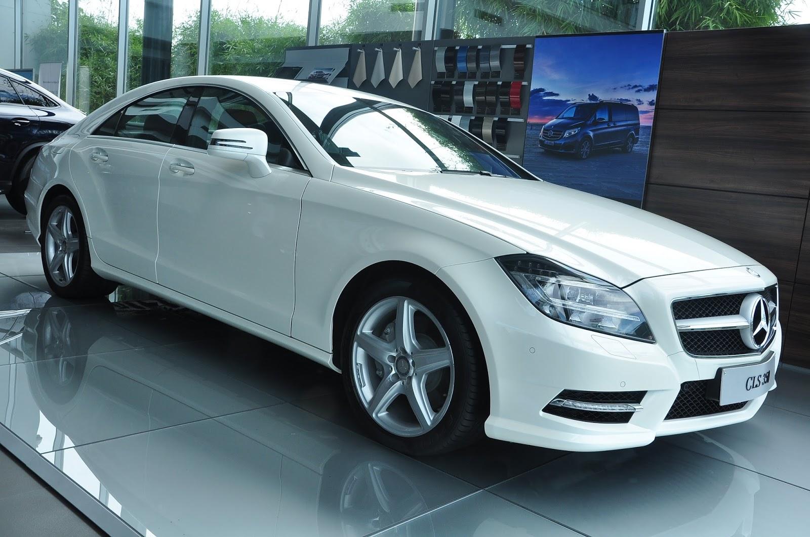 Xe Mercedes Benz CLS350 New Model màu trắng 02