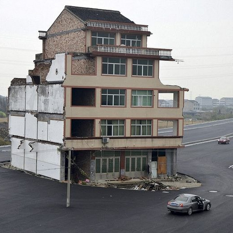 China Builds Road Around House Because Owner Refused to Move