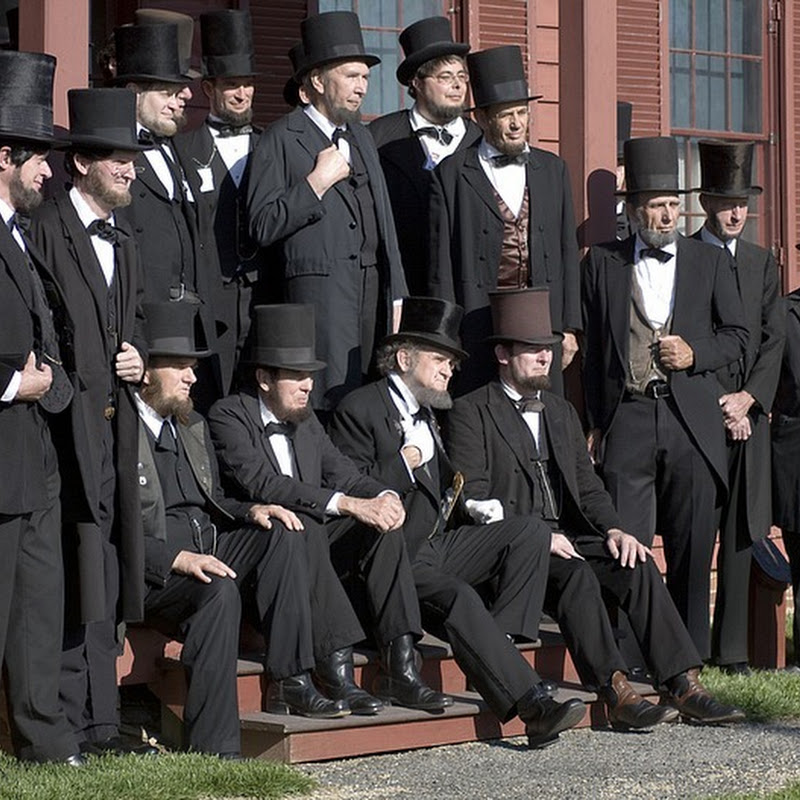 Abraham Lincoln Lookalikes Gather for a Convention in Ohio