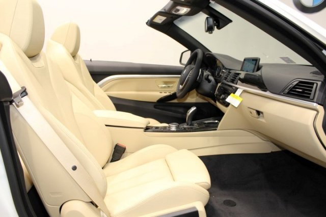 Nội thất xe BMW 420i Convertible new model 09