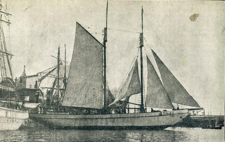 El SABANELL en el puerto de Barcelona. De la revista Catalunya Marítima. Año 1.920.jpg