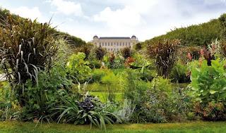 Viện Bảo tàng Thiên nhiên Quốc gia Pháp, Paris nơi GS Phạm Hoàng Hộ đơn độc làm việc ròng rã suốt sáu năm để hoàn tất bộ sách Cây Cỏ Việt Nam