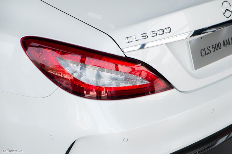 Xe Mercedes Benz CLS500 New Model màu trắng 010