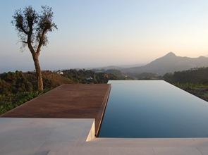 piscina de borde infinito en españa