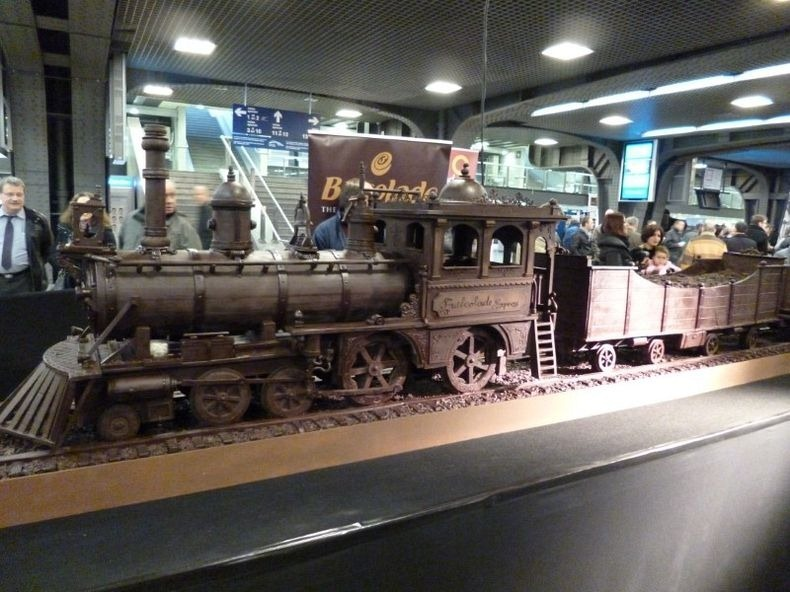 chocolate-train-1