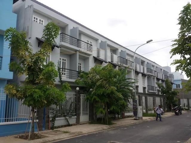 Bán nhà mặt tiền quận Tân Phú Đường Lê Cao Lãng 01