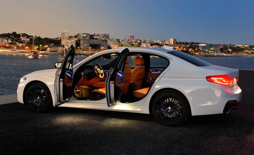 Xe BMW 528i New Model màu trắng 04