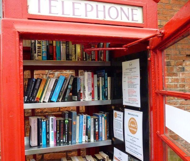 telephone-box-library-8