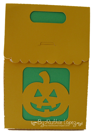 Jack O Lantern treat box - Halloween Treat box - Sister´s Scrapbook Store - Ruthie Lopez DT