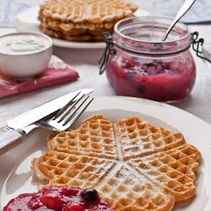 Rote Grutze with Waffles