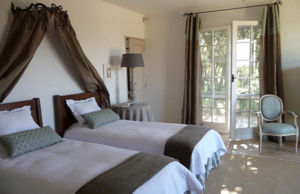 [1B-Beds-in-alexs-bedroom%255B1%255D.jpg]