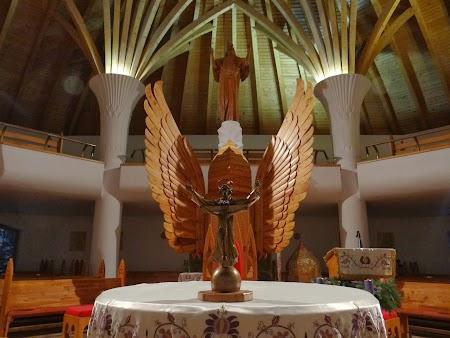 Interior biserica Millenium Miercurea Ciuc