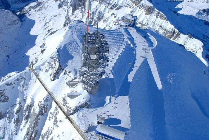 titlis-cliff-walk-0