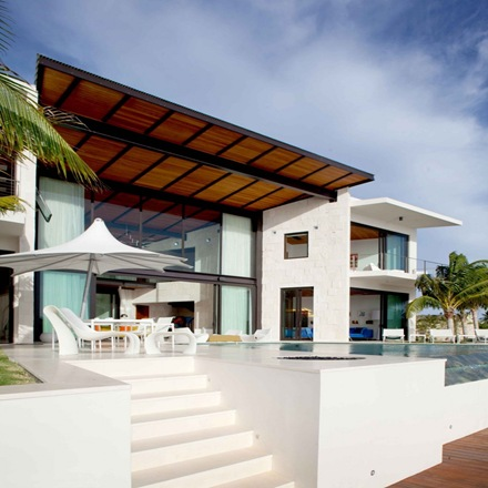 casa-de-lujo-con-piscina-silbersteinarchitect