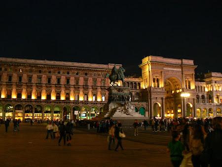 8. Piazza del Duomo Milano - noaptea.JPG