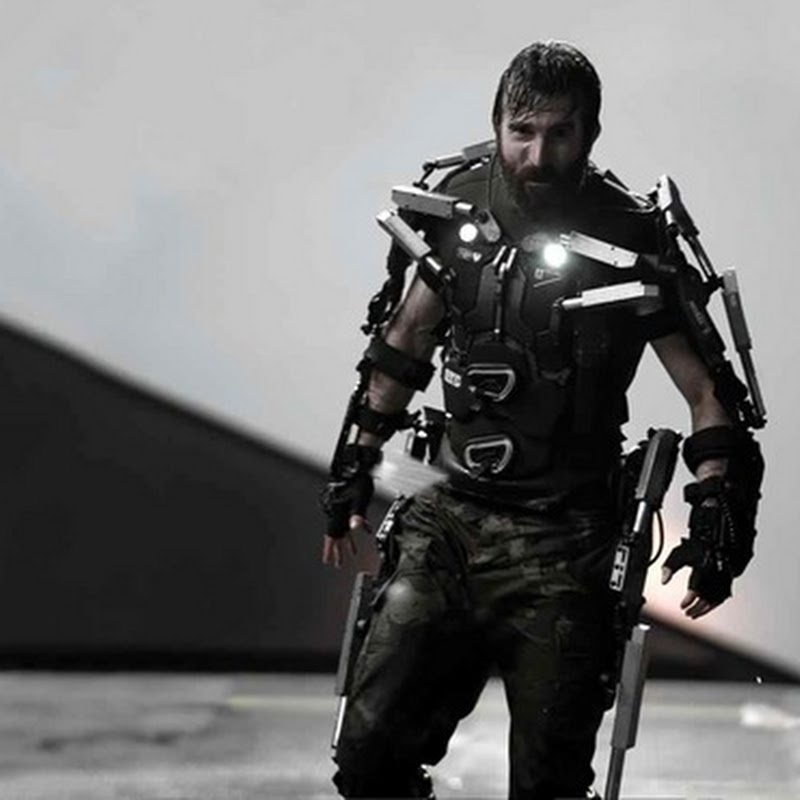 "Sharlto Copley, a Cold-Blooded Mercenary in ""Elysium"""