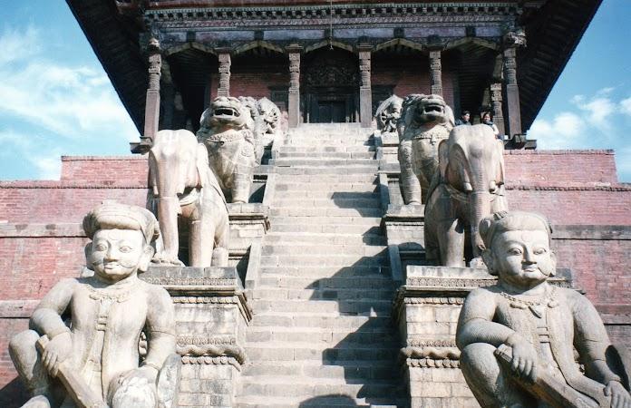 Obiective turistice Nepal: Templu Bhaktapur.jpg