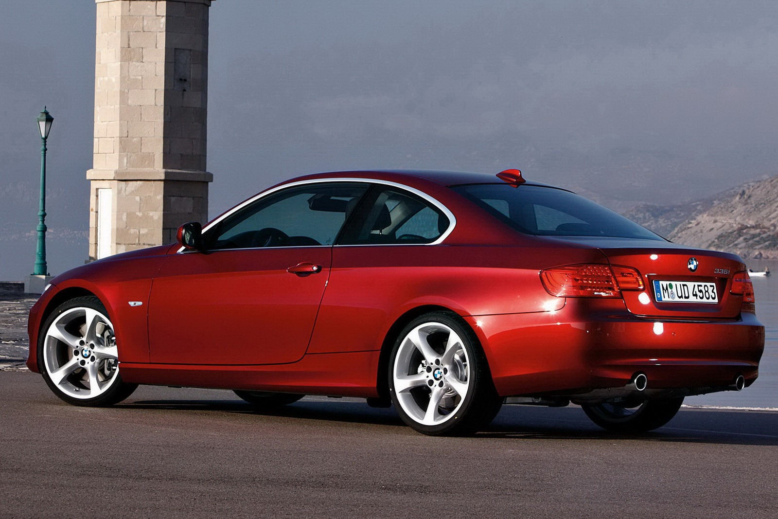 new bmw 4 series vs 3 series coupe. Black Bedroom Furniture Sets. Home Design Ideas