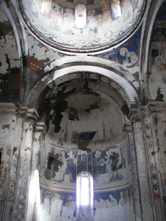 Imagini Ani: biserica Sf. Gheorghe pictura inca rezista