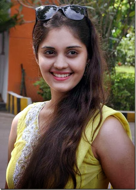 surabhi_new_photos