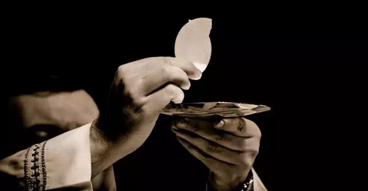 Mình và Máu thánh Chúa...